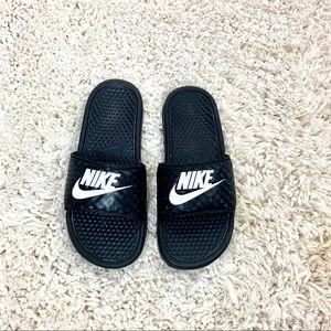 Woman's Nike Benassi JDI Slide Sandals sz8
